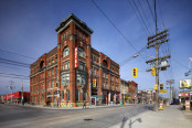 Gladstone Hotel