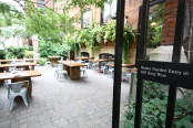 Rodneysoysterhouse_patio2