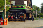 mullins irish pub